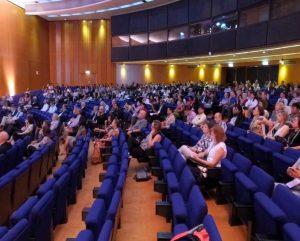ISHAM Teilnehmer im Plenarsaal