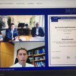 Prof. Steinmann im Gespräch mit Prof. Oliver Kurzai und Prof. Dieter Buchheidt